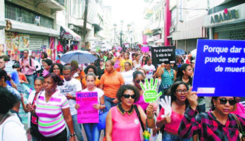República Dominicana: Cientos de mujeres marchan por despenalización de aborto