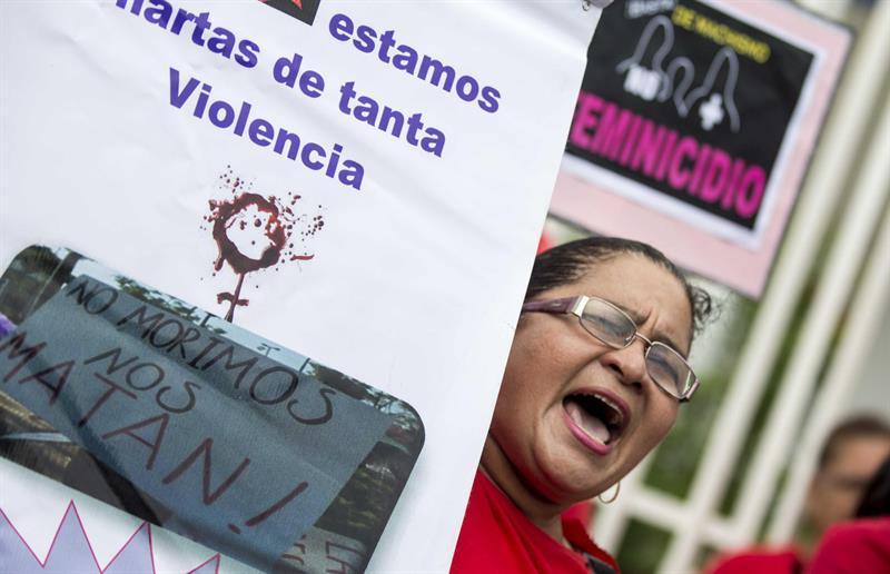 Ser mujer en Nicaragua: Macheteadas, decapitadas, quemadas vivas, violadas