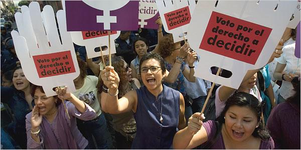 Leyes que hacen mayoritariamente los hombres, costumbres que crean las mujeres (acerca de la despenalización del aborto)
