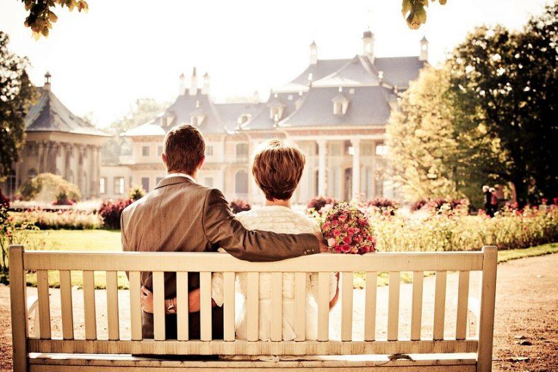 ¿Sólo los hombres pueden ser mayores que sus parejas? Aumentan los matrimonios en que ella tiene 10 años o más que él